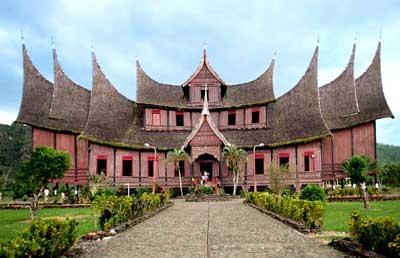 Istana Basa atau Istana Pagaruyung