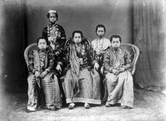 COLLECTIE_TROPENMUSEUM_Prinsessen_van_Tanete_Zuid-Sulawesi_TMnr_10001141